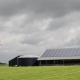 Kleine-windmolen-bij-boerderij